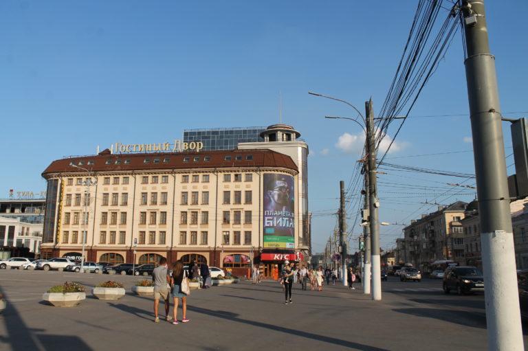 Экран ТЦ Гостиный двор (2)
